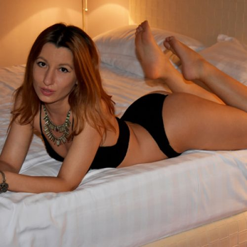 iFriends Model of The Month December 2017: GINNYGOLD