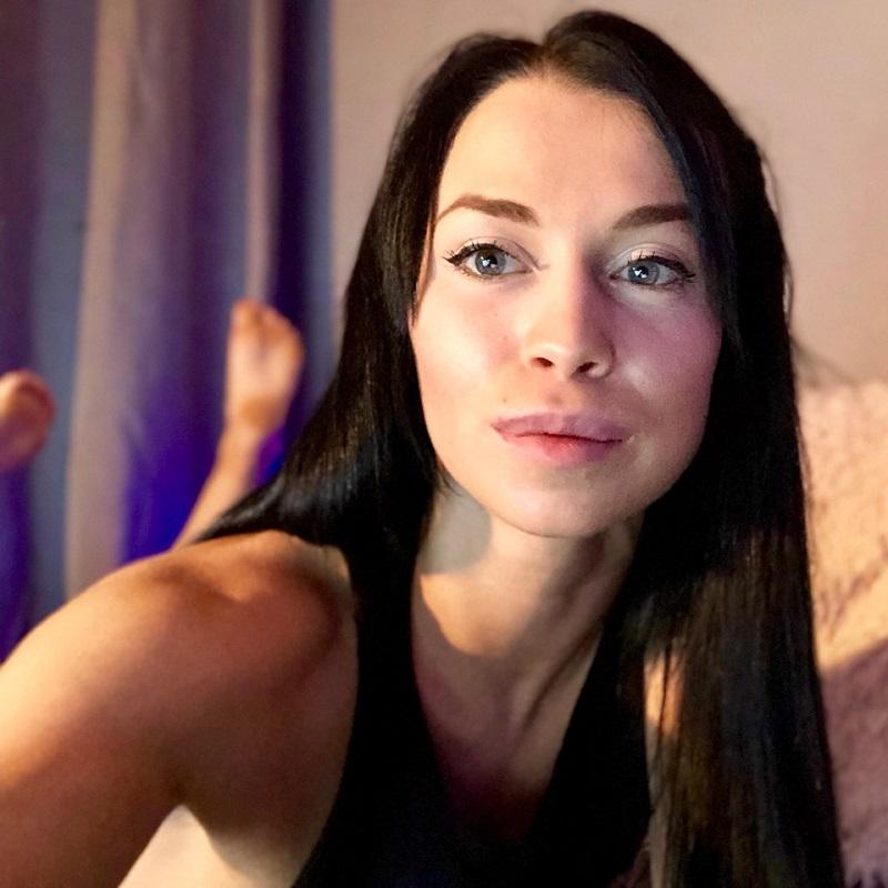 BongaCams Camgirl Interview: AskAlexa - Webcam Startup